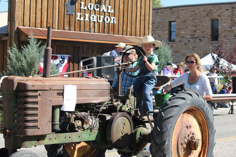 Pioneer-Day-2015-tractor